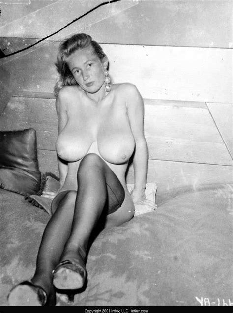Vintage Women In Stockings