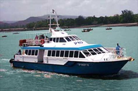 Catamaran Boat To Alibaug sail through mumbai traffic in 45 minutes flat rediff