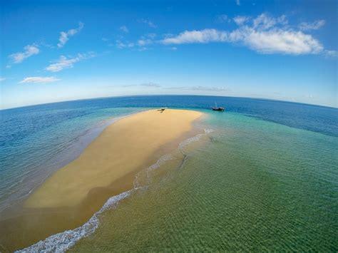 mozambique sea kayaking quirimbas dhow safari pioneer expeditions