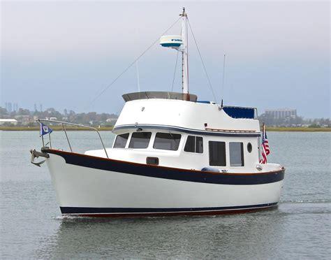 Huntington Boat Financing by 1976 Used Willard Marine 30 Trawler Cruiser Boat For Sale