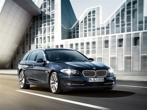 Bmw 5 Series Sedan 4k Wallpapers by Wallpapers F11 5 Series Touring Next To The F10 5er Sedan