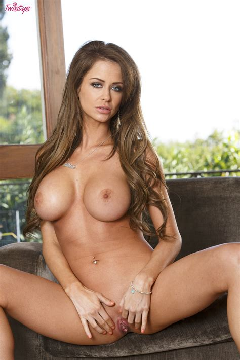 Amazing Brunette With Perfect Tits Gives Amazing And Hot