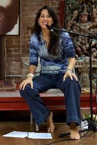 Maggie Wheeler's Feet (503829) - Maggie Wheeler Images ...