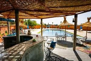piscine exterieur avec un bar photo de riad tchina With bar exterieur pour piscine