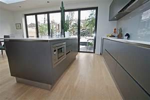 revgercom cuisine bois gris anthracite idee With plan de maison facade 18 cuisine industrielle lelegance brute en 82 photos
