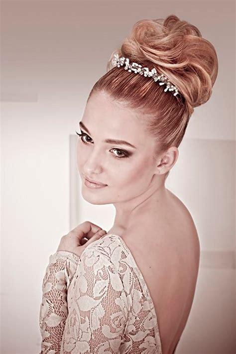 30 wedding bun hairstyles everafterguide the 30 best wedding bun hairstyles hair and makeup wedding bun hairstyles wedding