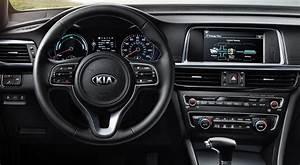 2017 Kia Optima Plug