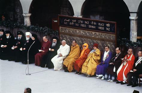 octobre  la premiere rencontre interreligieuse