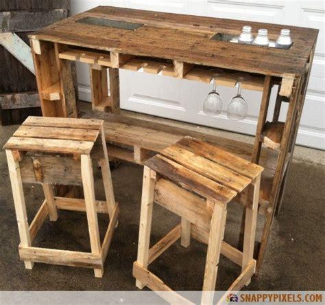 wood pallet projects  ideas snappy pixels