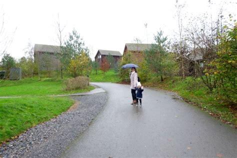 A Christmassy Trip To Bluestone Wales Part One (rhan Un
