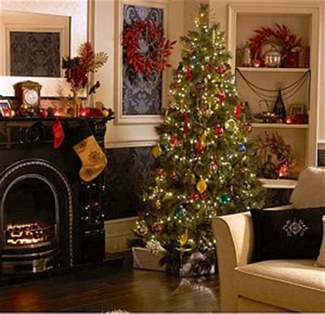 deck  halls  christmas  bq uk home ideasuk