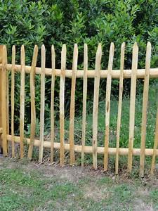 Portillon Bois Jardin : stunning cloture de jardin chataignier photos design trends 2017 ~ Preciouscoupons.com Idées de Décoration