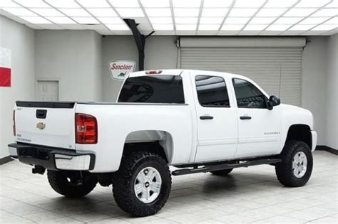 buy   chevy  wd lt vortec  lifted crew cab