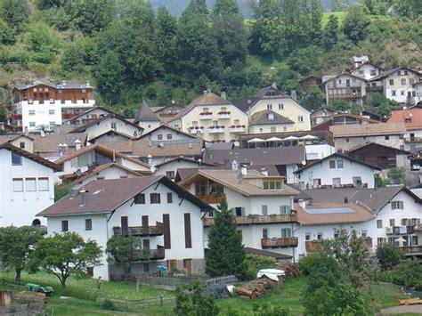 Appartamenti Malles by Appartamenti In Agriturismo Zwick Malles Burgusio