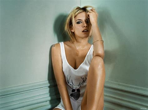 sienna miller sexy hot and romantic actress sienna miller hot photos