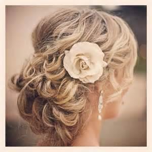 chignons mariage idée coiffure chignon pour mariage soirée ou cérémonie sur cheveux longs hairstyle idea