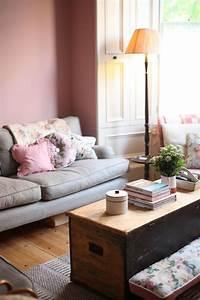 Rosa Deko Wohnzimmer : wohnzimmer mit individuellem charakter und wandfarbe altrosa wandgestaltung rosa altrosa ~ Frokenaadalensverden.com Haus und Dekorationen
