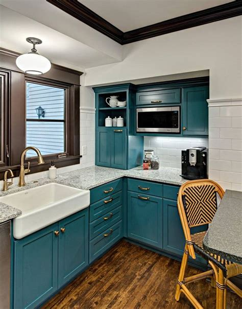 Teal Green Kitchen Cabinets by Best 20 Turquoise Kitchen Ideas On