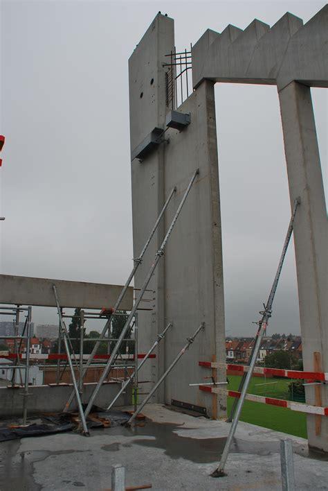 bureau architecte qu饕ec du béton préfabriqué pour les nouvelles tribunes du stade du kv mechelen detail febe