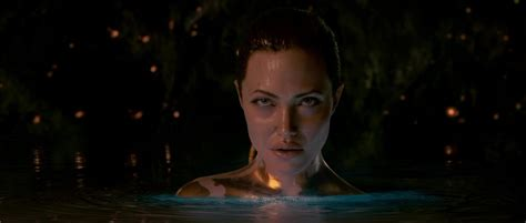 Angelina jolie, beowulf, blackmail photos, november 2007, poster, sey picture, temptation in the curse, trailer. Sección visual de Beowulf - FilmAffinity