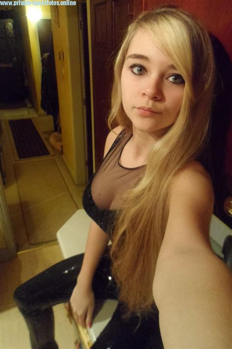 Selfie erotik Erotic selfies