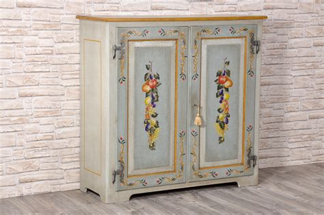 credenza tirolese credenze e dispense decorate tirolesi archivi mobili