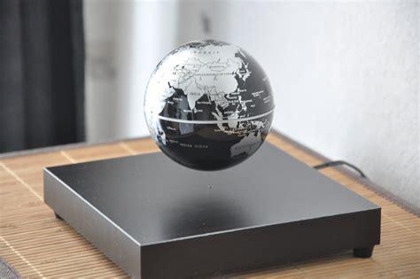 zoom objet d 233 co globe en l 233 vitation