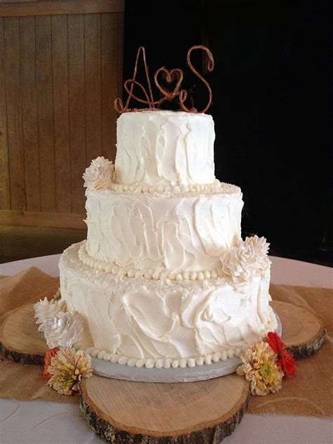 how to save money on ordering wedding cakes through a local bakery cheap ways to tie the knot