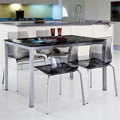 chaises de cuisine modernes les chaises transparentes et l 39 intérieur contemporain