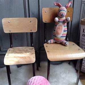 Chaise Enfant Vintage : chaise d 39 ecole en bois pour enfant style vintage ~ Teatrodelosmanantiales.com Idées de Décoration