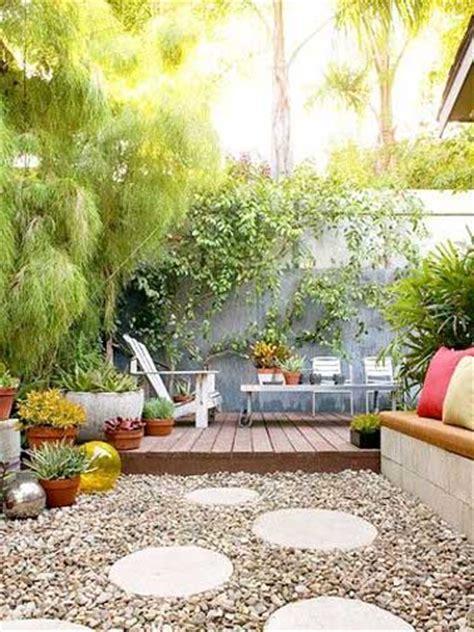 installer des pas japonais pour faire une terrasse zen