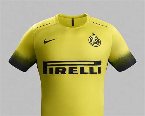 Camisas da Inter de Milão 2015-2016 Nike » Mantos do Futebol