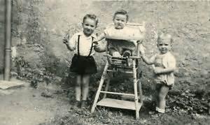 photo ancienne vintage b 201 b 201 baby enfant child chaise haute