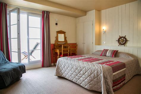 chambre avec terrasse privative hotel vue mer yeu chambres d hotel 224 port joinville hotel