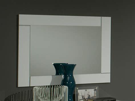 miroir pour chambre miroir city laque blanc chambre à coucher