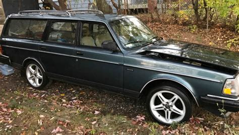 volvo  dl station wagon  miles automatic