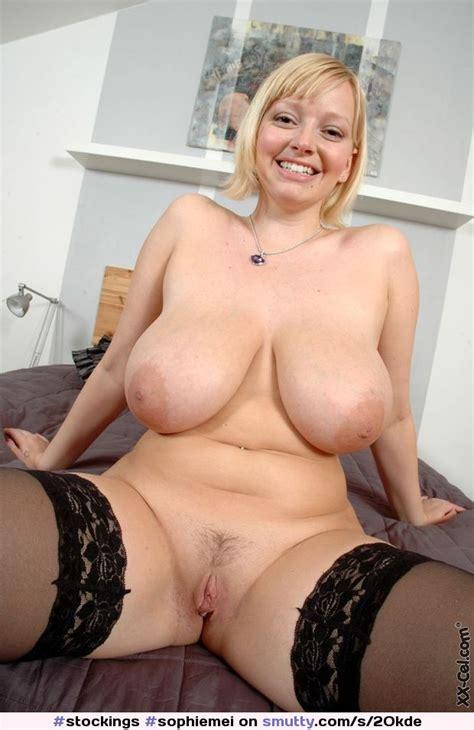 Sophiemei Busty Bbw Smiling Naked Pussylips