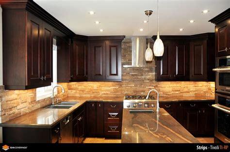 veneer kitchen backsplash kitchen backsplash clad in erthcoverins tivoli strips natural stone veneer kitchen ideas