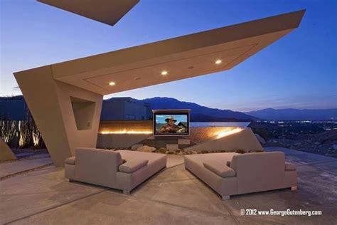angled cantilever canopy at 11 rockcrest dr rancho mirage