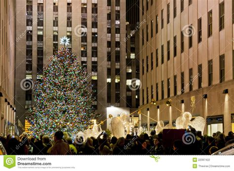 christmas tree in manhattan editorial photography image