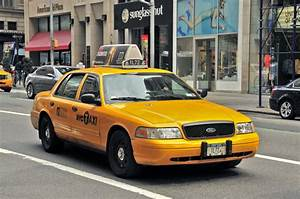 Taxi driver crashes into multiple cars injuring 6 people