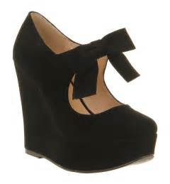 womens office special bow wedge black suede heels size 6