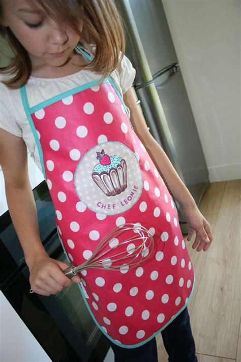 tablier de cuisine pour fille en cuisine york avec toi