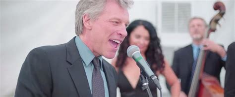 Jon Bon Jovi Sings Livin Prayer Wedding Abc News