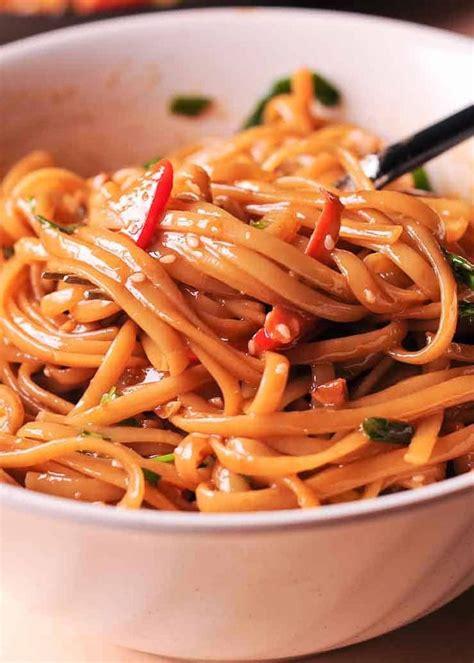 easy thai noodles  peanut sauce   spicy thai noodle