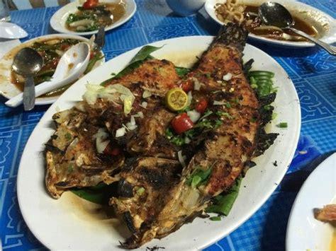 ikan bakar   parrot fish picture  hm sri bagan