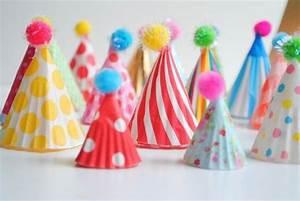 Kindergeburtstag Köln Ideen : festliche h te bunt lustig punkte streifen kinderparty organisieren ideen karneval fasching ~ Eleganceandgraceweddings.com Haus und Dekorationen