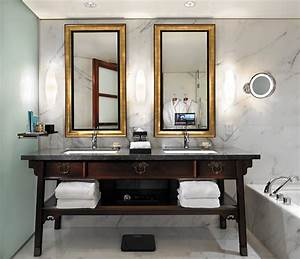 The calm in the storm the shangri la hotel vancouver for Shangri la bathroom