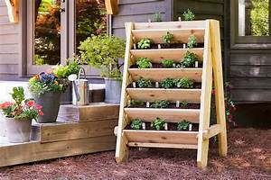How to Build a Vertical Herb (or Lettuce!) Planter
