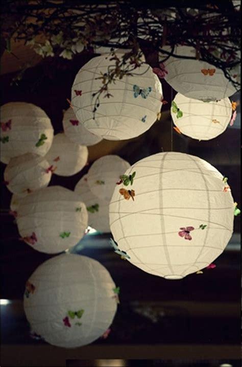 20 id 233 es pour relooker des boules de papier chinoises ou japonaises papillons